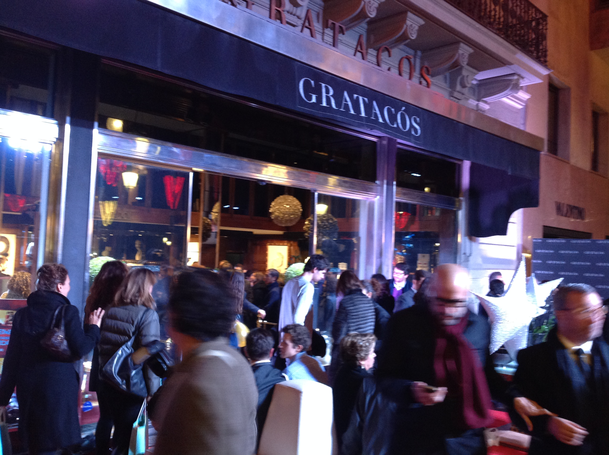 "La Shopping Night 2014, festa ""de masses"" de la Barcelona benestant"